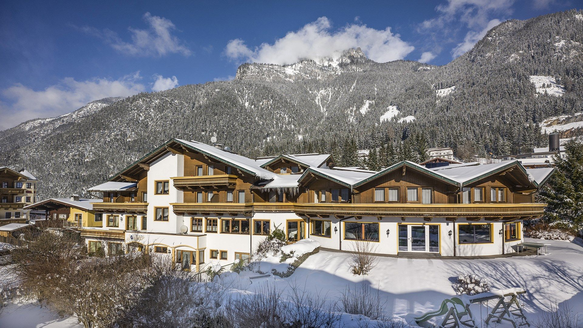 Hotel Sonnalp in Maurach im Winter