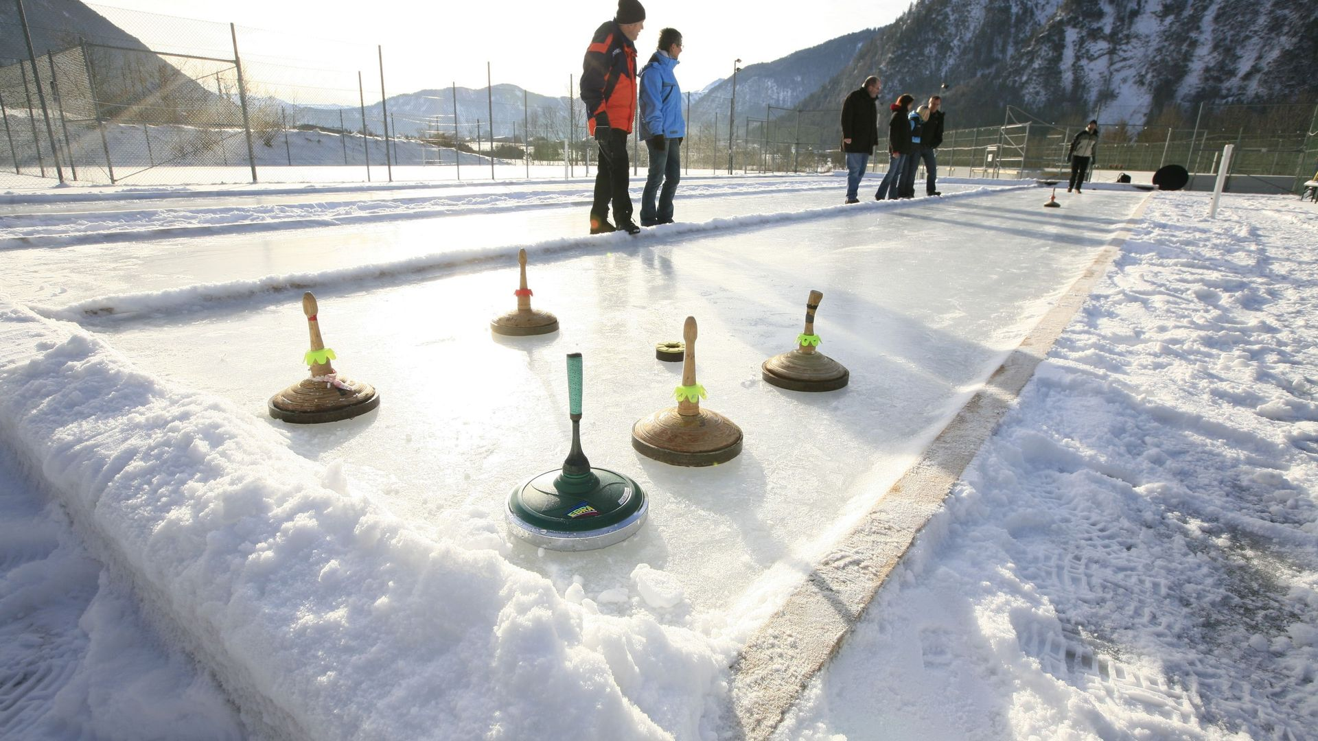 Curling rink – adventure holidays in Austria in winter