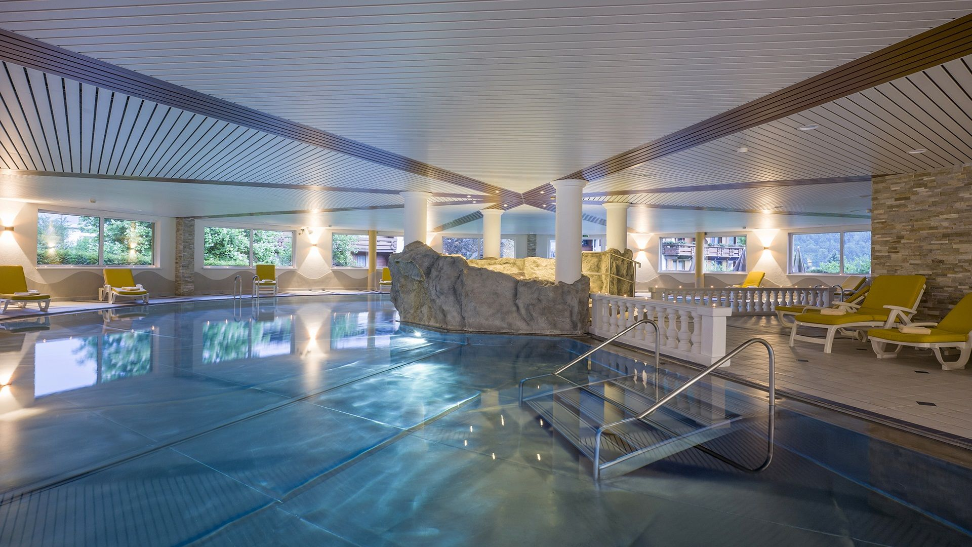 The largest private indoor pool in Tyrol at the hotel at Lake Achensee